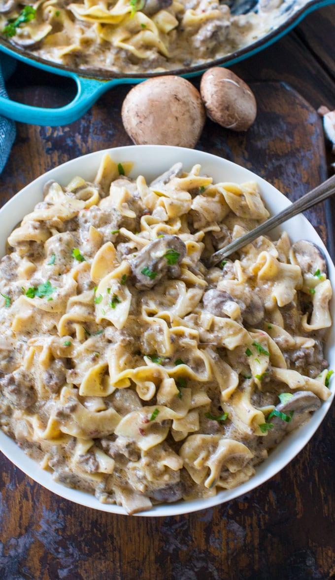 Ground beef stroganoff 30minutesmeals easy ground beef stroganoff is so unbelievably creamy thanks to a few secret ingredients easy forumfinder Images