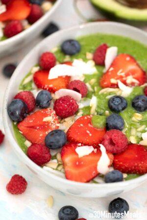 green smoothie bowl